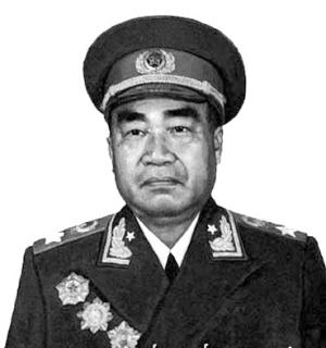 到中南海紫光阁审片的首长除了聂荣臻外,还有朱德总司令,陈毅和陈赓.