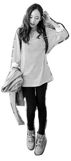 灰色短靴搭配衣服图片