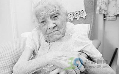 百岁老太太的长寿四个奇